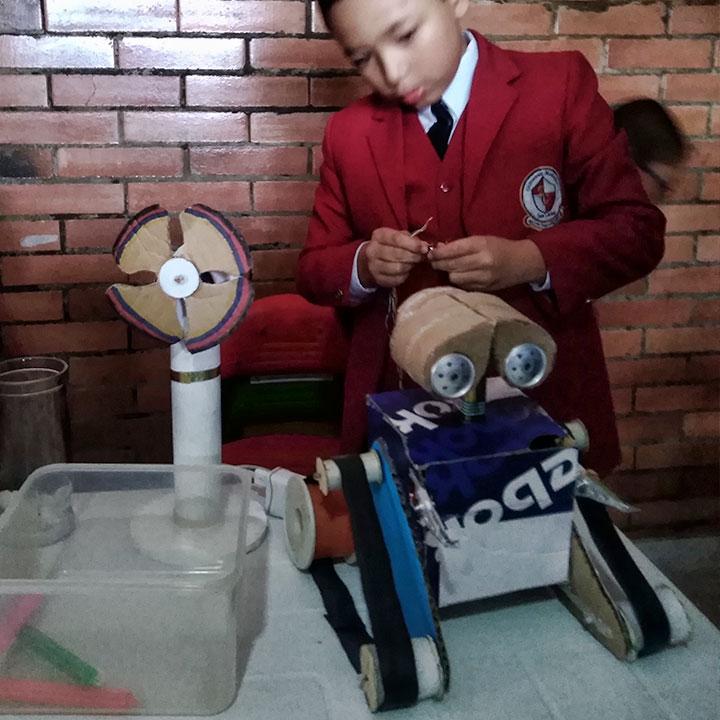 estudiante robotica